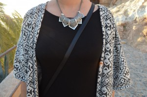 collar-laura-outfit