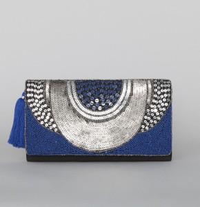 bolso-sobre-azul